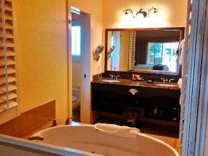 DryCreekInn Bath2