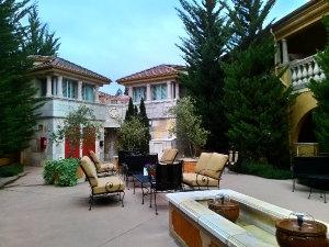 DryCreekInn Courtyard1