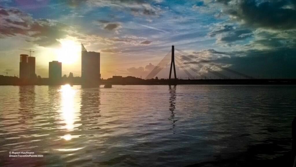 RIG 48 River Panorama Night