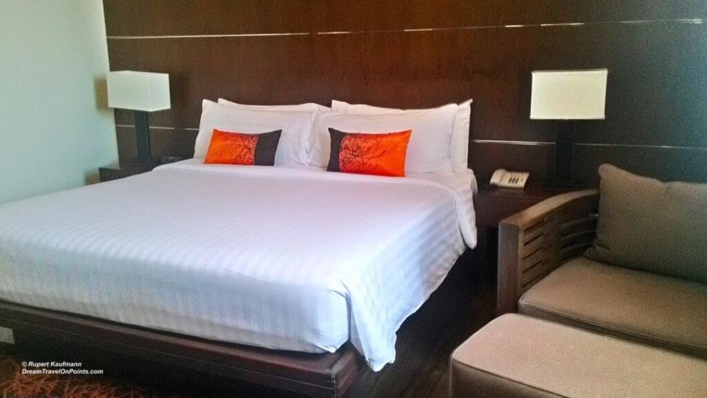 BKK GrMercure Asoke Bed1