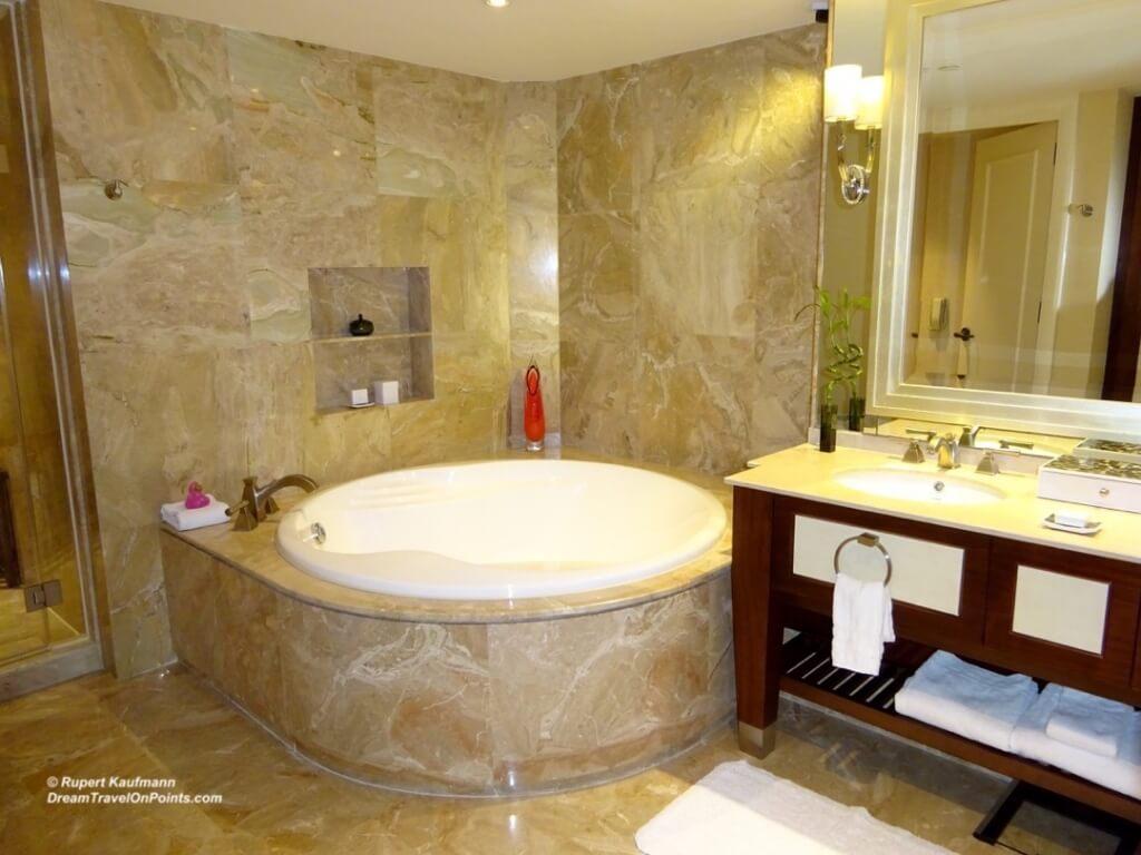 MAC Conrad Bath1