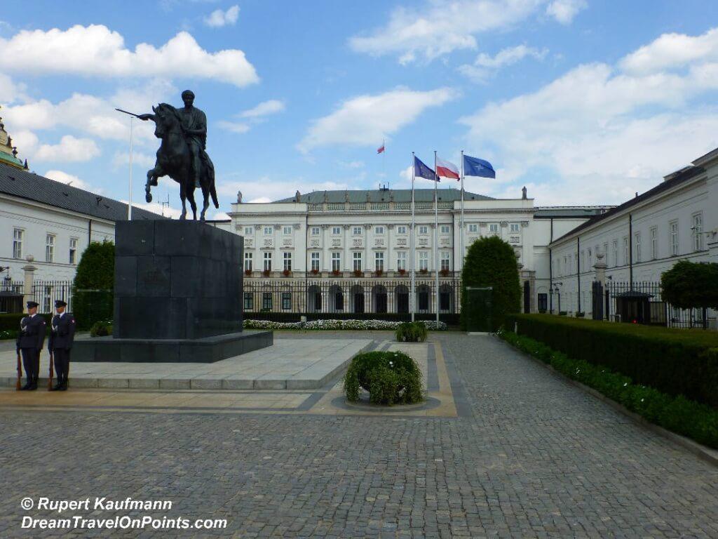 WAR Presidential Palace